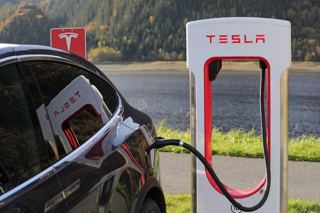 Exemple d'analyse Pestel sur l'entreprise Tesla
